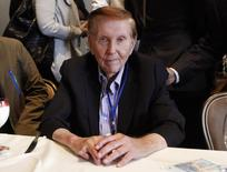 Sumner Redstone, executive chairman of Viacom Inc and CBS Corp, poses for a photo after answering questions at the Milken Institute Global Conference in Beverly Hills, California, U.S. May 2, 2012. REUTERS/Danny Moloshok