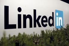 El logo de Linkedin. Microsoft Corp acordó adquirir a la firma de conexiones profesionales LinkedIn Corp en 26.200 millones de dólares en efectivo, dijeron el lunes las dos compañías en un comunicado. REUTERS/Robert Galbraith
