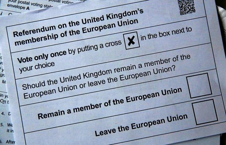 Illustration picture of postal ballot papers June 1, 2016 in London ahead of the June 23 BREXIT referendum when voters will decide whether Britain will remain in the European Union.   REUTERS/Russell Boyce