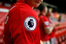 Logo da Liga Inglesa, Barclays Premier League, visto em uniforme do Liverpool.  11/05/2016 Action Images via Reuters / Carl Recine