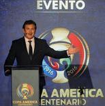 Alejandro Dominguez em evento da Copa América do Centenário.  28/4/2016. REUTERS/John Vizcaino