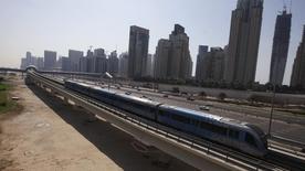 La Autoridad de Transporte de Dubai (RTA) ha otorgado a un consorcio participado por Alstom y Acciona un contrato por importe de 10.600 millones de dirham (2.890millones de dólares) para expandir el sistema de metro de la ciudad, dijo la RTA en su cuenta de Twitter el miércoles. Foto de archivo. REUTERS/Mosab Omar