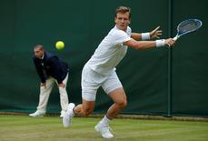 Britain Tennis - Wimbledon - All England Lawn Tennis & Croquet Club, Wimbledon, England - 29/6/16 Czech Republic's Tomas Berdych in action against Croatia's Ivan Dodig REUTERS/Andrew Couldridge