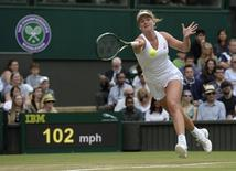 Britain Tennis - Wimbledon - All England Lawn Tennis & Croquet Club, Wimbledon, England - 3/7/16 USA's Coco Vandeweghe in action against Italy's Roberta Vinci REUTERS/Tony O'Brien