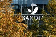 Le groupe américain Medivation discute de l'ouverture de ses comptes à Sanofi, le français ayant amélioré son offre d'achat de 9,3 milliards de dollars (8,4 milliards d'euros), selon plusieurs sources proches du dossier. /Photo d'archives/REUTERS/Robert Pratta