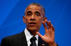 """El presidente de Estados Unidos, Barack Obama, dijo que confía en que Reino Unido y la Unión Europea serán capaces de acordar una transición ordenada hacia una nueva relación después del referéndum del mes pasado donde los británicos votaron por dejar la UE. En la foto, el presidente estadounidense ofrece un discurso sobre el """"bréxit"""" en la Universidad de Stanford en Palo Alto, California, el 24 de junio de 2016. REUTERS/Kevin Lamarque"""
