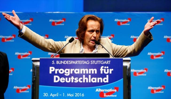 German politician denounced over soccer immigrant comment