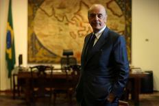 El ministro de Relaciones Exteriores brasileño, José Serra, posa para una foto durante una entrevista con Reuters en el palacio de Itamaraty en Brasilia, Brasil, 14 de julio de 2016. REUTERS/Adriano Machado