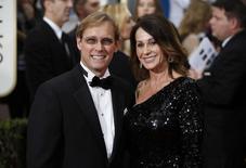 Bart Conner e Nadia Comaneci  em cerimônia de premiação do Golden Globe, em Beverly Hills  11/1/2015 REUTERS/Danny Moloshok
