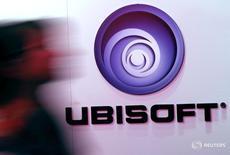 Ubisoft, qui est engagé dans un bras de fer avec son principal actionnaire Vivendi, a bon espoir d'obtenir le soutien d'une majorité d'investisseurs lors de sa prochaine assemblée générale, a déclaré mardi son directeur financier, Alain Martinez.. /Photo d'archives/REUTERS/Jonathan Alcorn
