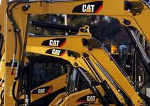 Maquinas de Caterpillar vistas en un una fábrica de la compañía en Massachusetts, Estados Unidos. 23 de enero de 2013. Caterpillar, el mayor fabricante mundial de equipamiento para la minería y la construcción, reportó el martes menores utilidades netas trimestrales, debido a que sus ventas de nuevas maquinarias siguieron débiles. REUTERS/Jessica Rinaldi