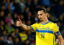 Sweden's Zlatan Ibrahimovic gestures during their Euro 2016 group G qualification soccer match against Liechtenstein in the Rheinpark stadium in Vaduz, Liechtenstein October 9, 2015. REUTERS/Ruben Sprich/File Photo