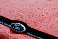 General Motors et Ford ont annoncé mardi une baisse de leurs ventes de véhicules neufs aux Etats-Unis en juillet tandis que celles de Fiat Chrysler Automobiles (FCA) ont enregistré une légère hausse. /Photo d'archives/REUTERS/Bogdan Cristel