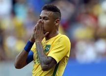 Neymar lamenta lance perdido em partida entre Brasil e África do Sul, em estreia da seleção na Olimpíada. O jogo terminou 0 x 0. 4/8/2016. REUTERS/Ueslei Marcelino