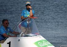 Oficial de regata na Lagoa Rodrigo de Freitas. 07/08/2016 REUTERS/Carlos Barria