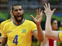 Wallace comemora ponto do Brasil na vitória sobre o México. 07/08/2016 REUTERS/Marcelo del Pozo