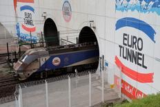 Le groupe Eurotunnel fait état vendredi d'une hausse de 9% de son trafic camions en juillet et d'une progression de 7% pour celui des passagers circulant en voitures. /Photo d'archives/REUTERS/Pascal Rossignol
