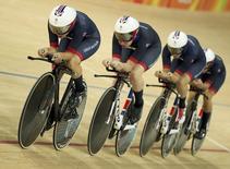 Ciclistas britânicas nas eliminatórias da Rio 2016.  13/08/2016.  REUTERS/Matthew Childs