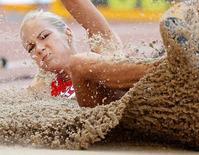 Klishina compete em Pequim. 27/8/2015. REUTERS/Phil Noble