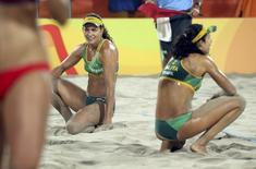 Larissa e Talita durante disputa da medalha de bronze. 17/08/2016.   REUTERS/Tony Gentile