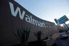 Vista general de una tienda Wal-Mart en Monterrey, México. 10 de agosto de 2016. Wal-Mart Stores Inc reportó el jueves una ganancia trimestral mayor a la esperada, por un aumento de las ventas en sus tiendas comparables por octavo trimestre consecutivo, lo que impulsaba a sus acciones. REUTERS/Daniel Becerril