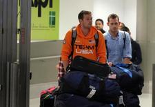 Nadadores dos EUA Jack Conger e Gunnar Bentz chegam em Miami.  19/8/2016. REUTERS/Gaston De Cardenas