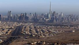 Prédios vistos em Dubai.    09/12/2015    REUTERS/Karim Sahib/Pool