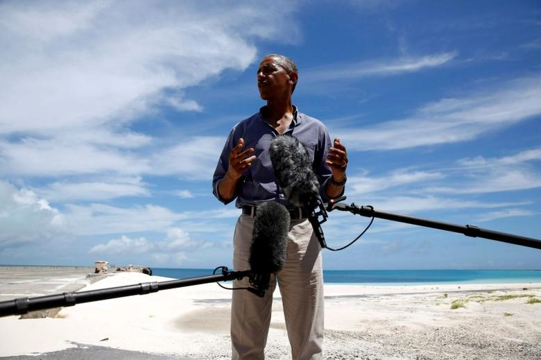 U.S. President Barack Obama delivers remarks to reporters during a visit to the Papahanaumokuakea Marine National Monument, Midway Atoll, U.S. September 1, 2016. REUTERS/Jonathan Ernst