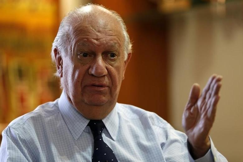Former Chilean President Ricardo Lagos answers a question during an interview with Reuters in Santiago, November 11, 2013. REUTERS/Ivan Alvarado