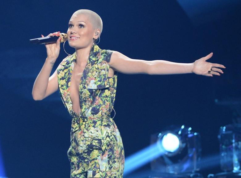 Singer Jessie J performs ''Domino'' during the Season 12 finale of ''American Idol'' in Los Angeles, Calfiornia May 16, 2013.  REUTERS/Phil McCarten/File Photo