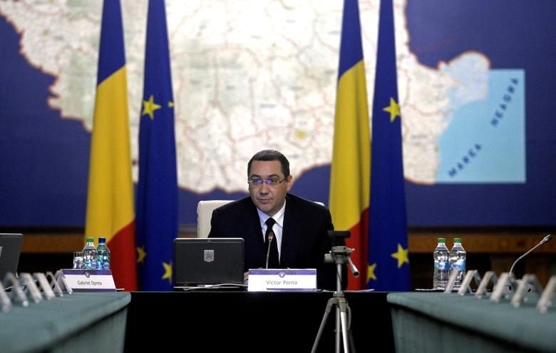 Romanian Prime Minister Victor Ponta looks on during a government meeting, after announcing his resignation, in Bucharest, Romania November 4, 2015.  REUTERS/Inquam Photos/Octav Ganea