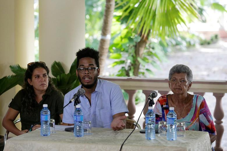 (L to R) Yaniska Lugo, of the Martin Luther King Center, Manolo de los Santos, board member of the Pastors for peace and Nacyra Gomez, of the Presbyterian Cuban Church attend a news conference in Havana, Cuba, September 7, 2016. REUTERS/Enrique de la Osa
