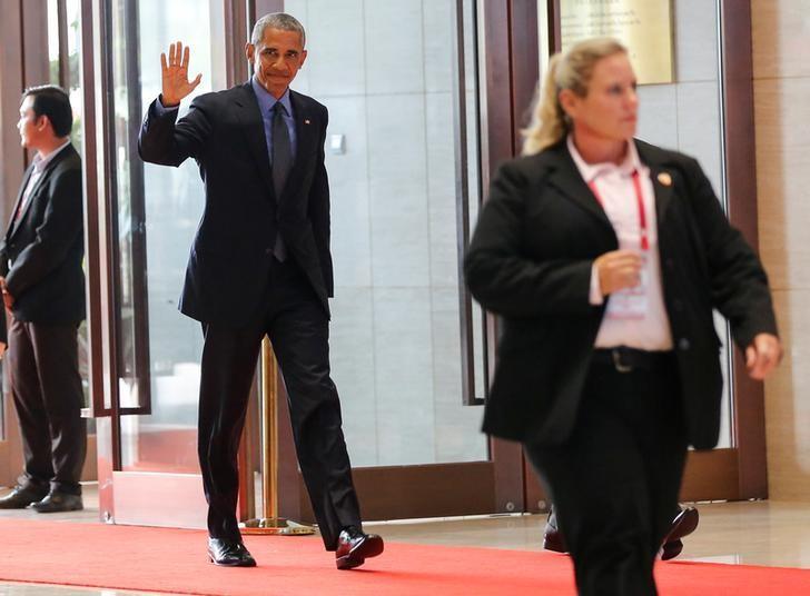 U.S. President Barack Obama arrives to attend the ASEAN Summit in Vientiane, Laos September 8, 2016. REUTERS/Soe Zeya Tun
