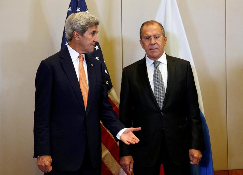 U.S. Secretary of State John Kerry (L) and Russian Foreign Minister Sergei Lavrov meet in Geneva, Switzerland, to discuss the crisis in Syria, September 9, 2016. REUTERS/Kevin Lamarque