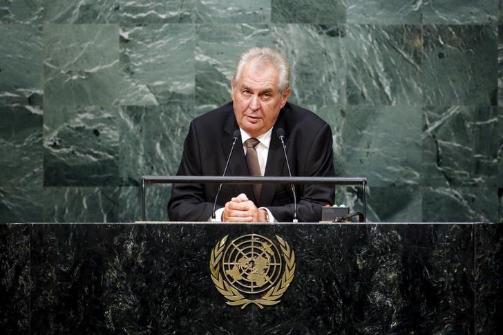 Czech President Milos Zeman speaks during the 70th session of the United Nations General Assembly at the U.N. Headquarters in New York, September 29, 2015.   REUTERS/Eduardo Munoz