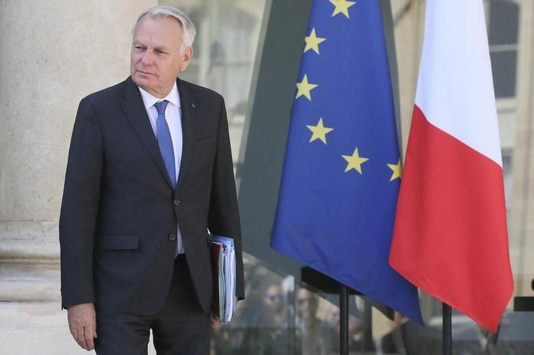French Foreign Affairs Minister Jean-Marc Ayrault leaves the Elysee Palace after a weekly cabinet meeting in Paris, France, August 31, 2016. REUTERS/Gonzalo Fuentes