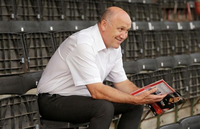 Football Soccer Britain - Exeter City v Hull City - EFL Cup Second Round - St James' Park - 23/8/16Hull caretaker manager Mike Phelan reads the programme before the matchAction Images via Reuters / Henry Browne