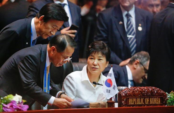 South Korea's President Park Geun-hye attends an EAS Meeting alongside the ASEAN Summits in Vientiane, Laos September 8, 2016. REUTERS/Jonathan Ernst