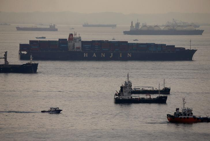 Container vessel Hanjin Rome sits in the eastern anchorage area in Singapore September 9, 2016. REUTERS/Edgar Su