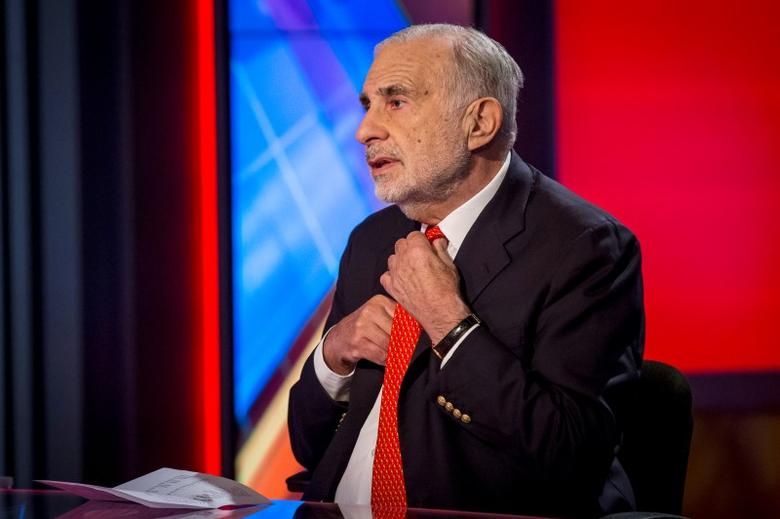 Carl Icahn gives an interview on FOX Business Network in New York, February 2014.   REUTERS/Brendan McDermid