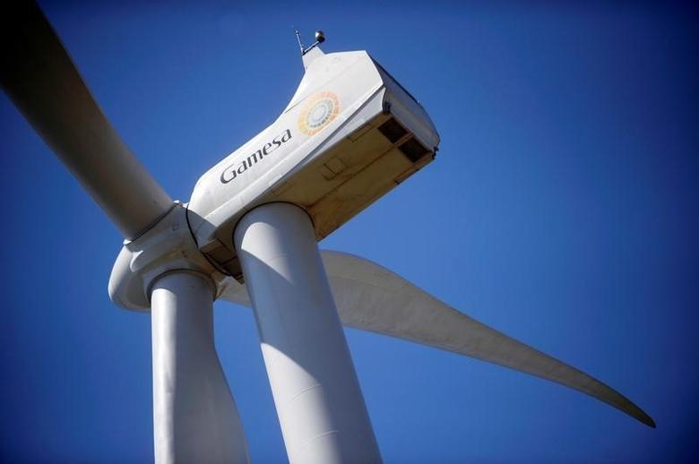 A Gamesa wind turbine stands in the Sierra de Alaiz, near Pamplona, northern Spain, June 28, 2016. REUTERS/Vincent West