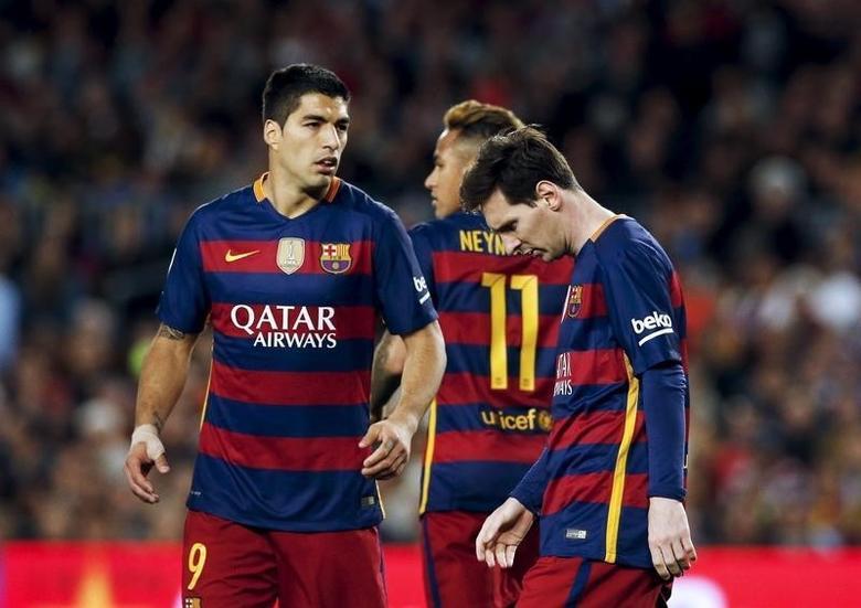 Football Soccer - Barcelona v Valencia - Spanish Liga BBVA - Camp Nou stadium, Barcelona - 17/4/16Barcelona's Luis Suarez, Neymar and Messi react against Valencia.  REUTERS/Albert Gea