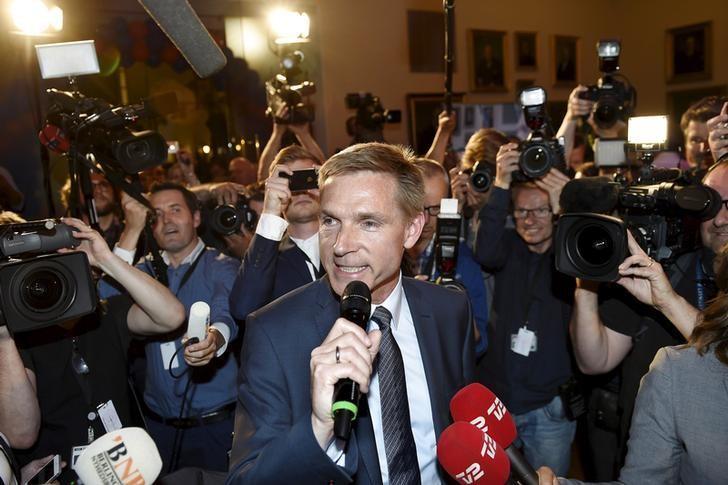 Danish People's Party (DF) leader Kristian Thulesen Dahl speaks to the press after election results in Copenhagen, Denmark, June 18, 2015. REUTERS/Keld Navntoft/Scanpix Denmark/Files