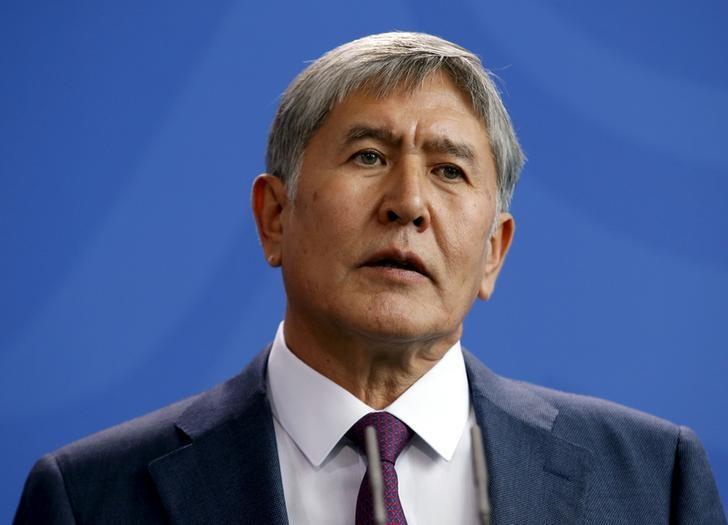 Kyrgyzstan's President Almazbek Atambayev addresses a news conference in Berlin, April 1, 2015.   REUTERS/Fabrizio Bensch/File Photo