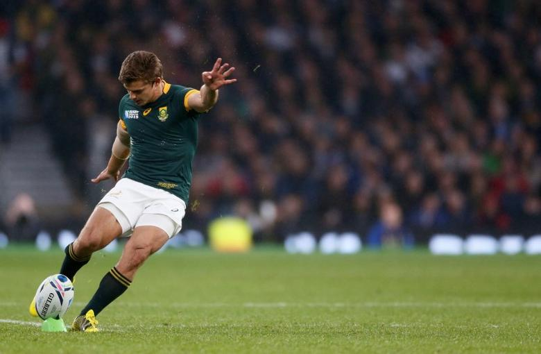 Pat Lambie of South Africa kicks a penalty during their Rugby World Cup Semi-Final match against New Zealand at Twickenham in London, Britain, October 24, 2015.            REUTERS/Stefan Wermuth