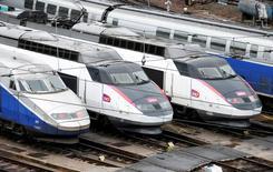 La SNCF est menacée d'un redressement fiscal en raison de la requalification en subvention d'un versement annuel de l'Etat de 1,3 milliard d'euros au profit de SNCF Réseau. /Photo d'archives/REUTERS/Charles Platiau