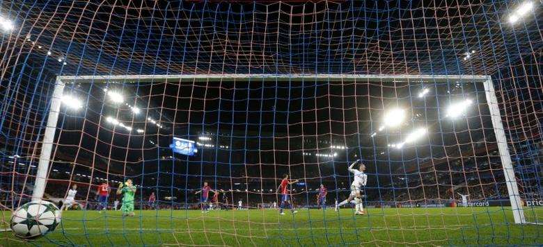 Soccer Football - CSKA Moscow v Tottenham Hotspur - UEFA Champions League Group Stage - Group E - CSKA Stadium, Moscow, Russia - 27/9/16Tottenham's Son Heung-min scores their first goal Action Images via Reuters / John Sibley/ Livepic