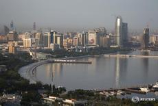 Вид на центр Баку 23 июня 2016 года. ВВП Азербайджана в 2016 году вырастет на 1 процент, прогнозирует министерство финансов страны. REUTERS/Maxim Shemetov