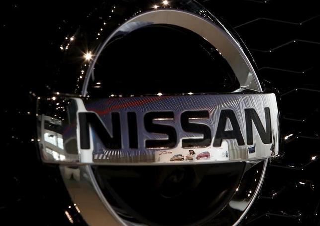 9月29日、日産自動車のカルロス・ゴーン社長兼最高経営責任者(CEO)は、英国の欧州連合(EU)離脱決定で、関税障壁が設けられた場合、英国政府が補償を約束することが、サンダーランド工場へ投資を拡大する条件との認識を示した。写真は2015年7月、横浜で(2016年 ロイター/Yuya Shino)