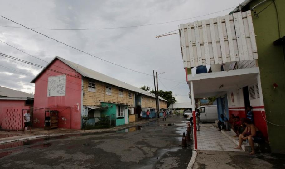 In Jamaica's 'wickedest' town, few fear Hurricane Matthew's fury | Reuters